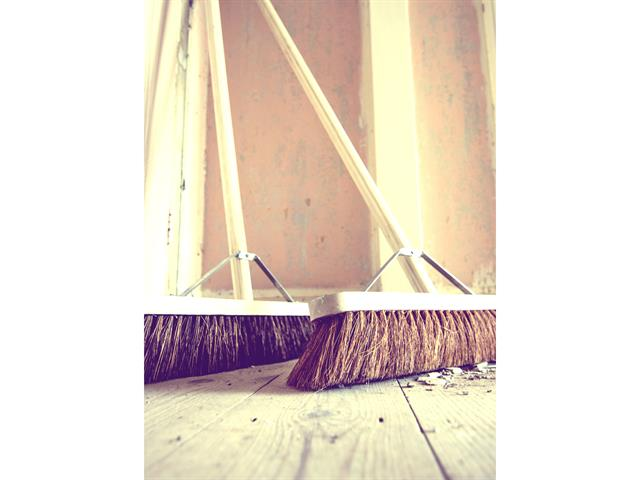 Thumbnail image of Faithfull Stiff Bassine Broom 600mm (24in) + Handle & Stay