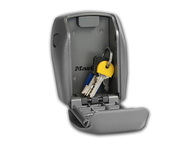 Thumbnail image of Master Lock Laminated Steel 51mm Padlock 4-Pin