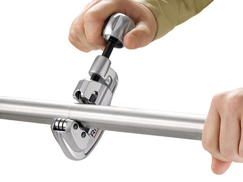 Thumbnail image of Rigid 35S Stainless Steel Tube Cutter 5-35mm Capacity 29963