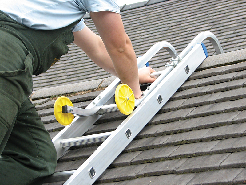Thumbnail image of Zarges Roof Hooks with Wheels (1 pair)