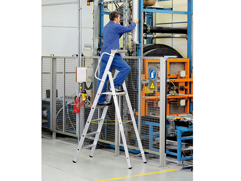 Thumbnail image of Zarges Mastersteps, Platform Height 1.32m 5 Rungs